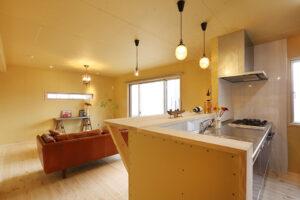 DIYで仕上げる内装素地仕上げの家