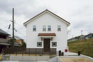 憧れがギュッとつまった、南欧風のかわいい家